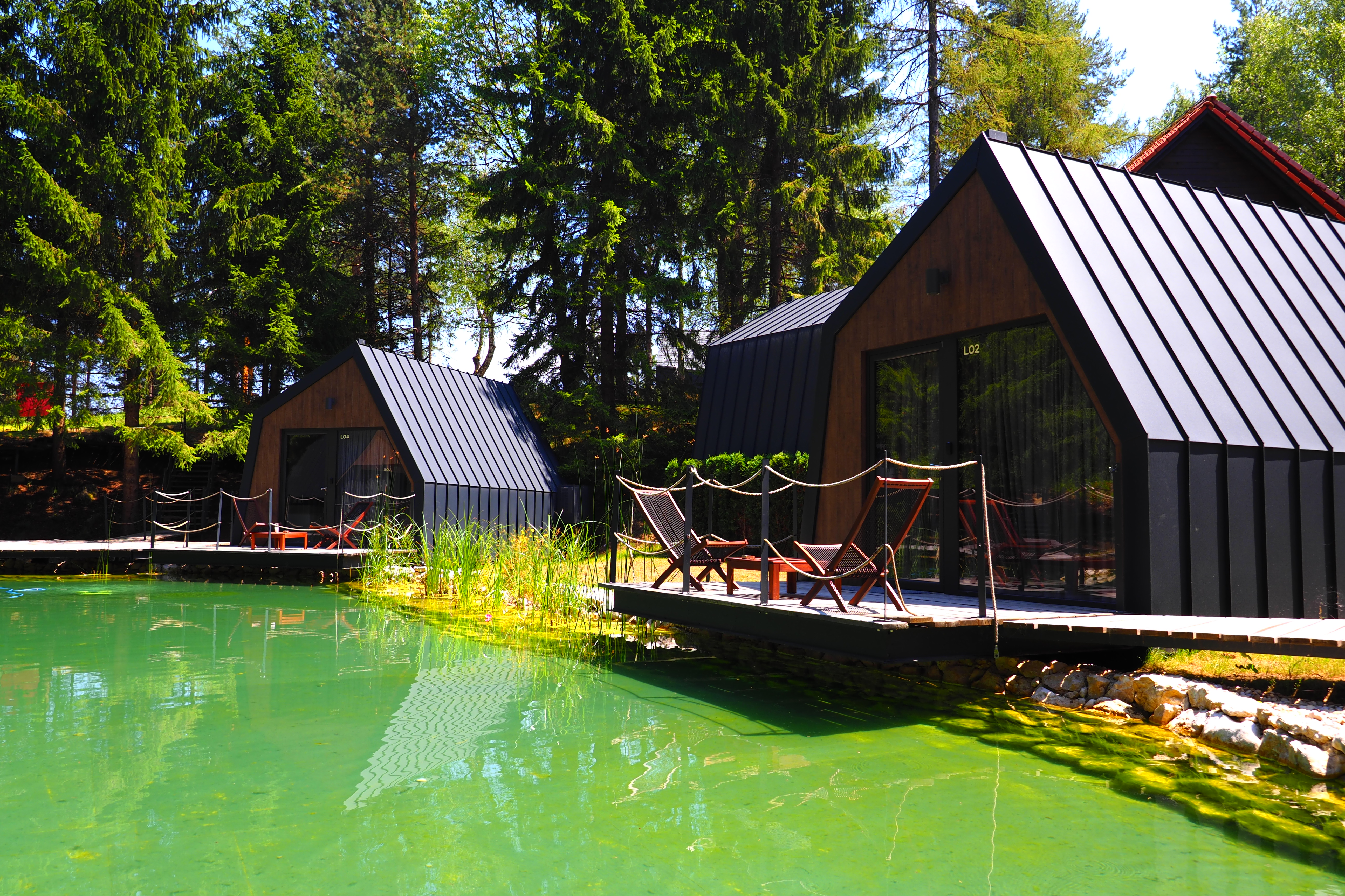 plitvice holiday resort_Häuser am See